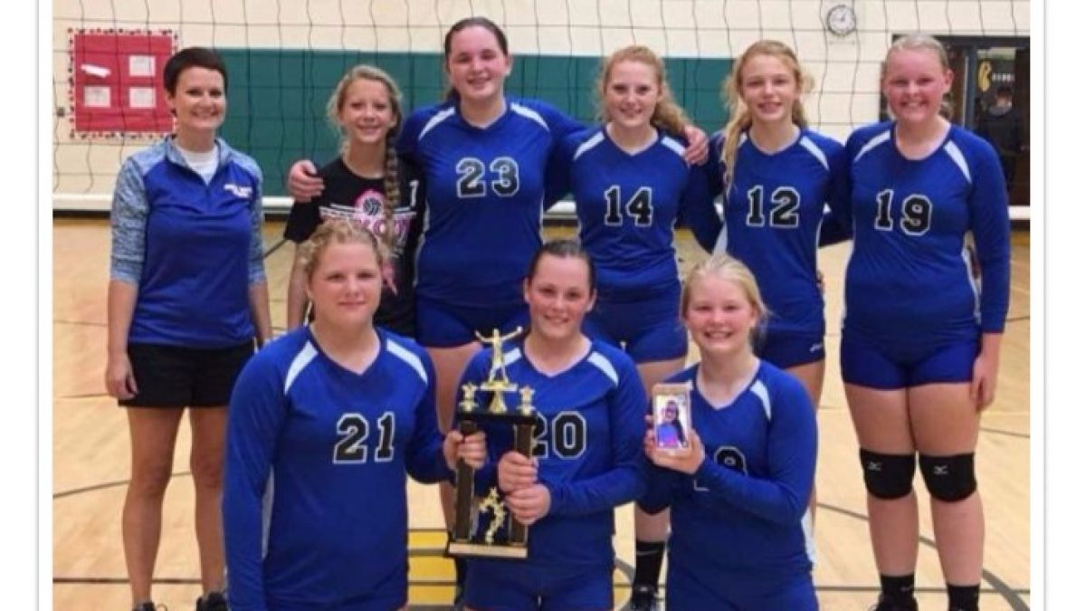 8th Grade Volleyball: 2017 White County Champions!